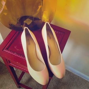 Nude patent Micheal Kor's pumps (9.5)